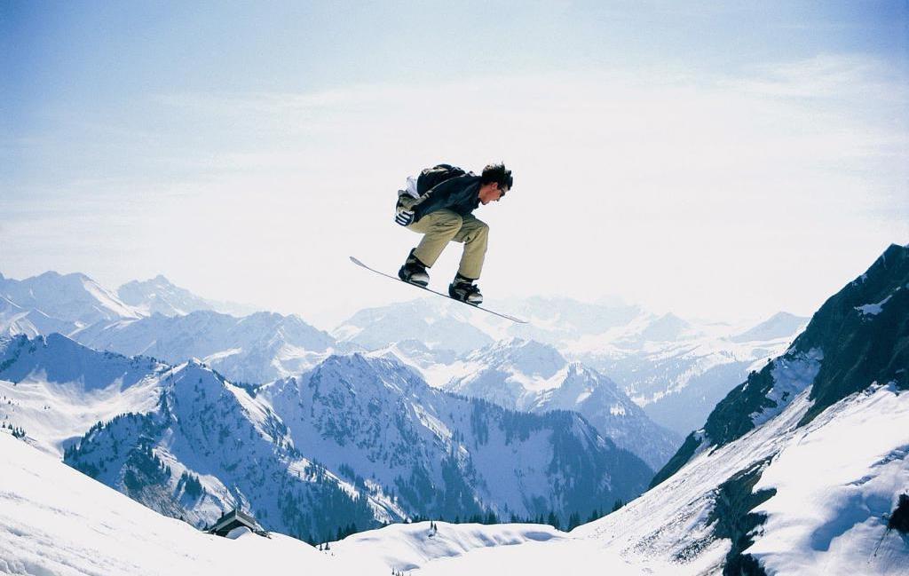 Прыжок на сноуборде