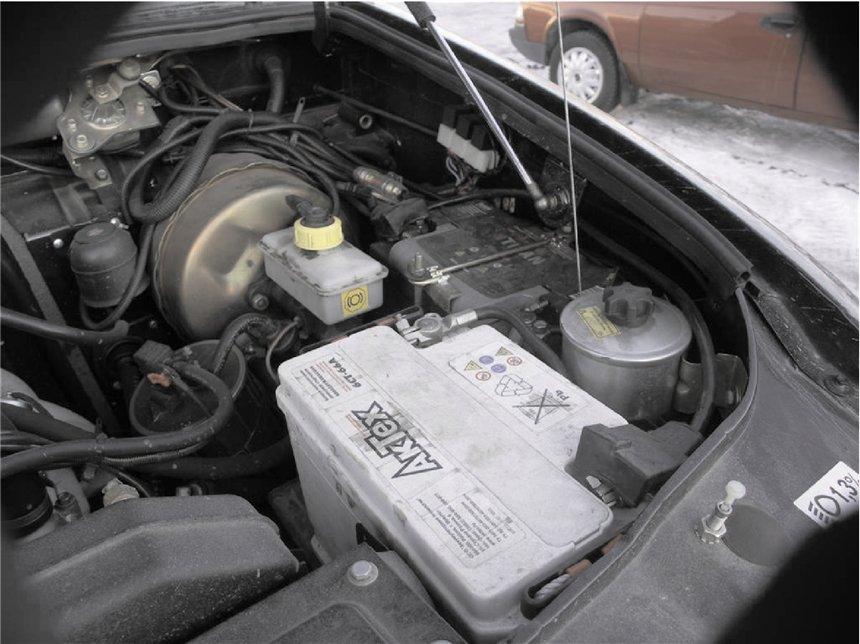 Расположение АКБ на машине