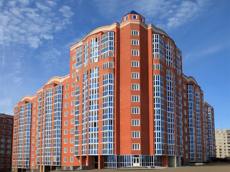 Кирпичная многоэтажка
